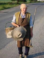 She must work on, Transylvania (Julie70) Tags: 2005 old people woman hat portraits walking blog working story romania mostinteresting choice myfavorites transylvania meetings speaking gens roumanie flickrfavs transylvanians transylvanie copyrightjkertesz2005 erdly erdely voyagejuin mc01 mostfav someofmyfavorites threeyears julie70 topfavs prefered mesfavoris szalmakalap byjuliekertesz noporestrangers transylvenie erdlyiek photojuliekertesz juliekertesz bigfavs flickrmostfavorited mypreferred transylvaniens 100mostinteresting mastersprefered bestin22000 120of50000