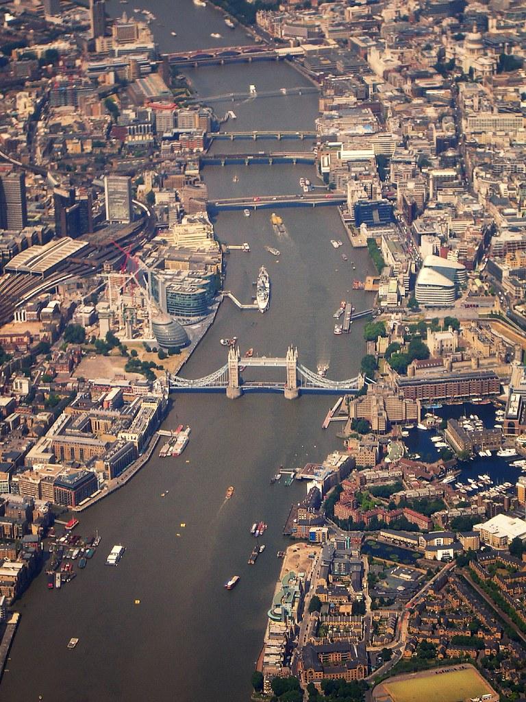 [趣闻] 展望未来概念桥(2)垂直农场伦敦桥 路人@行者