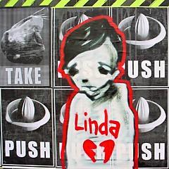 LINDAS EX (Antonia Schulz) Tags: urban streetart berlin graffiti calle character ciudad urbana creatures boxi wallstreetjournal pabo lindasex