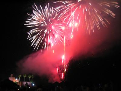 fuegos artificiales en la noche de San Juan
