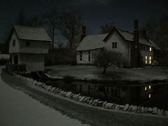 Snowy Night (Stevie-B) Tags: deleteme5 house interestingness bravo savedbythedeletemegroup medieval saveme10 save10 lower top20hallfame manor moat savedbythedeltemeuncensoredgroup aprticket wattle brockhampton gatehouse timbered daub
