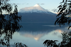 volcan osorno 2 (jen clix) Tags: volcano osorno lagollanquihue chile puertovaras lake water blue reflection framed