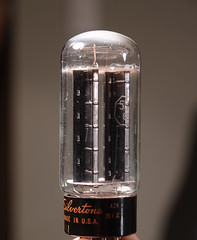 tubes50s60s_case_vintage17.jpg (Relic Deluxe) Tags: music glass television vintage 60s cabinet head phillips tube tubes amp philips stereo musical 1950s sound instrument speaker 50s 1960s ge amplifier audio rca tweed volume tremolo reverb tolex mullard vibrato