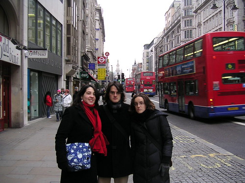 3 típics autobusos vermells