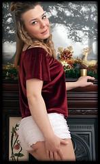 Laura K - Christmas Fireplace Pose (zweiblumen) Tags: laurakolbusz model telford shropshire england uk christmas canoneos50d canonef50mmf14usm canonspeedlite430exii lastoliteflashumbrella zweiblumen