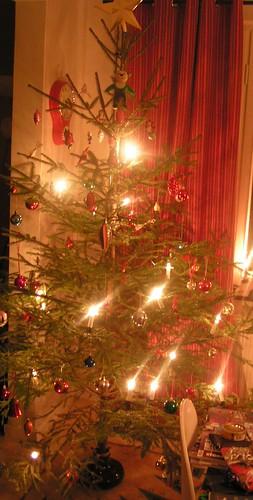 Julgran med vintagepynt!