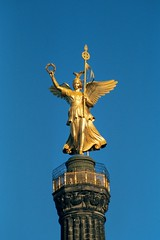 Siegessäule (WrldVoyagr) Tags: sky berlin monument statue angel germany deutschland capital engel siegessäule goldelse
