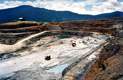 Upper Ridges (Mangiwau) Tags: new pink silver gold guinea mine namie mining apron hidden upper valley harmony mines png papua edie hagen emas ridges wafi breccia tuff portmoresby carbonate rabaul wau goldfields ngg madang goroka diatreme renison pacifique mangano lae opencut guinee rgc oceanie lapilli alotau morobe papouasie papouasienouvelleguinee bulolo newcrest epithermal biangai watut nouvelleguinee accretionary