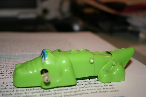 wind-up aligator