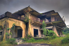 Tyersall House #1 (DanielKHC) Tags: urban house building abandoned singapore moody gloomy decay sony gothic ruin eerie creepy spooky mansion alpha derelict hdr decadence a100 istana tyersall 4xp photomatix tonemapped sigma18200mm outstandingshots woodneuk istanawoodneuk danielcheong hdrenfrancais 200750plusfaves splendoranddecadence danielkhc