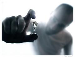 MACRO sessions + Drops (Hugo Provoste) Tags: blue light portrait white macro water agua focus dof hand drop gota noli hugoprovoste provoste 1in10f1500v josluisnoli joseluisnoli abigfave campodeprofundidad ultraselected
