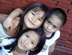mga batang quiapo (children of Quiapo) (jobarracuda) Tags: friends smile youth children lumix friendship philippines manila streetkids streetchildren fz50 panasonicfz50 jobarracuda