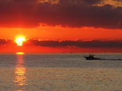 Finch la barca  v... (Stranju) Tags: sunset sea sun boat italia tramonto mare sole dicembre livorno vernacolo baraca stranju colorphotoaward