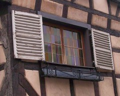 Window in Colmar (! .  Angela Lobefaro . !) Tags: trip travel vacation portrait dog chien france flower macro girl architecture germany landscape bravo europe action quality gimp bregenz colmar hund alsace linux nuages bodensee ubuntu allrightsreserved italians kubuntu digikam holidaysvacanzeurlaub angiereal noqualitynocry maxgreco angelalobefaro angelamlobefaro massimilianogreco allrightsreservedclouds