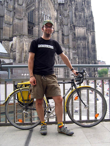 Mark with his Surly before the Kölner Dom