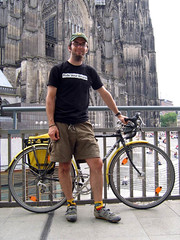 Mark with his Surly before the Klner Dom (ibikempls) Tags: bicycle germany 2006 surly mark kln cologne crosscheck pannier rideyourbicycle 24hoursofafton schmidthub ortlieb
