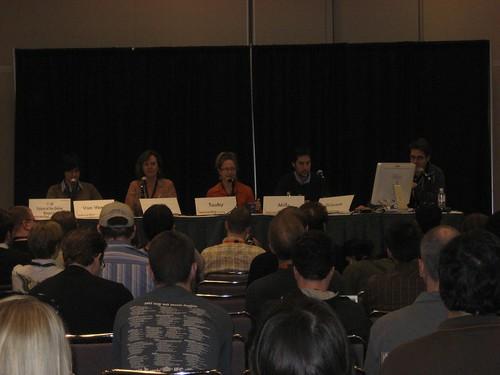Online magazines panel