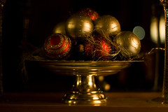 (Elinesca) Tags: christmas decorations glitter gold decoration balls christmasdecorations pcard