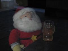 SANTA BREAK! (Stranju) Tags: xmas torino pub santaclaus natale birra barba babbonatale canonpowershots3is stranju withcanonican