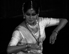 Kathak - expressions (Felix Francis) Tags: india art dance expression delhi tradition classicaldance northindia kathak jewellerey