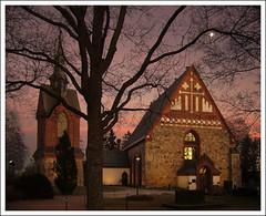 Pyhn Laurin Kirkko at sunset ([ Petri ]) Tags: sunset church finland medieval vantaa 1on1 kivikirkko theodorhijer pyhnlaurinkirkko helsinginpitjnkirkko