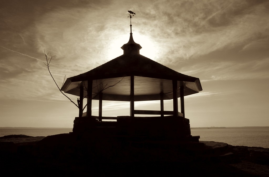 larchmont manor gazebo