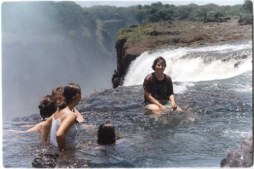 Samn at the top of Victoria Falls por goalkeeper.