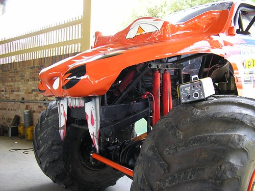 predator monster truck 2