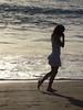 Paseando (Tere Duro) Tags: españa woman beach water contraluz mujer sand agua europa playa arena orilla espuma lafoodelasemana tereduro lfsneruda