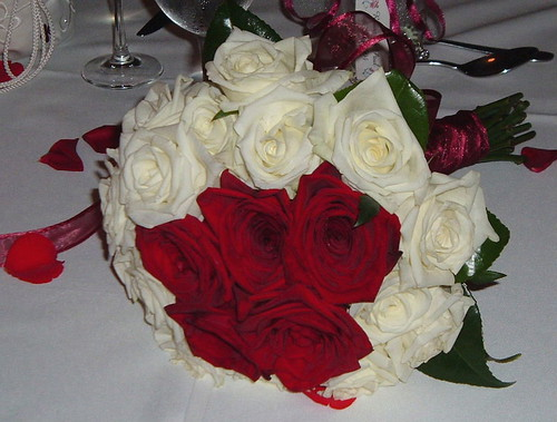 pictures of red and white wedding. White and Red Rose for Wedding