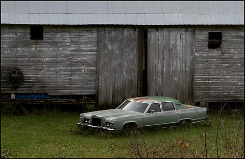 barn and car4