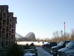 Great Wolf Lodge at Kings Island (kim-brr-lee) Tags: family ohio vacation snow hotel mason eiffeltower amusementpark vans dropzone kingsisland sonofbeast greatwolflodge paramountpark