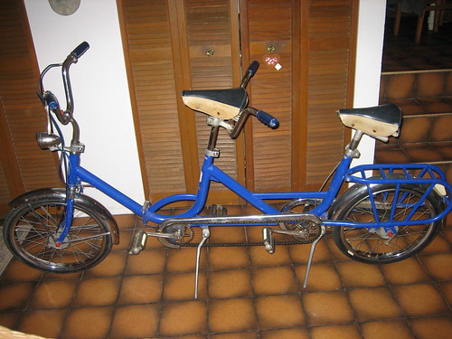 Guido the folding tandem bicycle