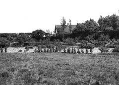 1930's, Veere, dijkhuis, view from the south west (doc(q)man) Tags: road old blackandwhite bw history netherlands rural 1930s bend zeeland docman dike veere prewar dijkhuis seadike fritslensveltsr