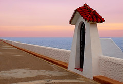 Porta al Mediterrani (Maria Artigas) Tags: sea beach water marina mar agua playa ventanas marinas puertas oltusfotos topolbellezas