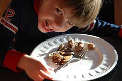 ah munna eat choo - by kennyferguson