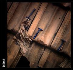 cuchillas desechables ((Lolita) • 8) Tags: callejeando tejados tejas cuchilas