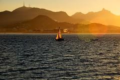 bfds procê (Ruby Ferreira ®) Tags: bay silhouettes silhuetas baía ripples hills veleiro sailboat