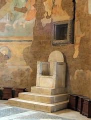 Tuscania - San Pietro 7 (anto_gal) Tags: lazio viterbo tuscania 2015 chiesa romanico sanpietro presbiterio sedia episcopale