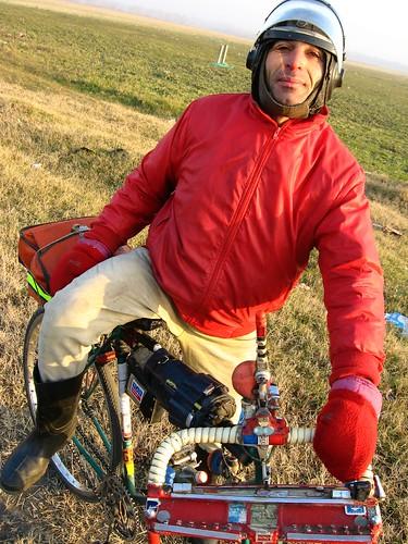 Cyclist extroadinare, Rust'Avi, Georgia / 友達!(グルジア、ティビリシ市)