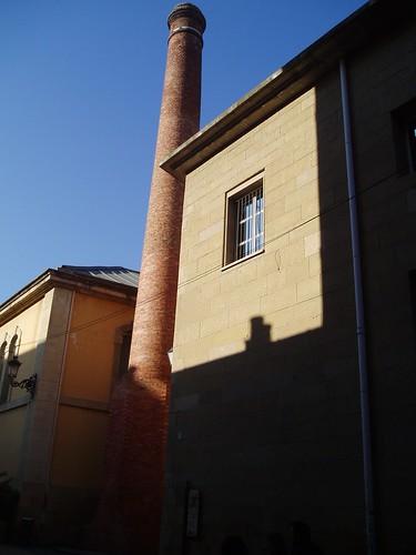 Chimenea antigua fábrica de tabacos