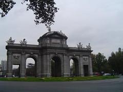 Puerta de Alcala (erdeleong) Tags: madrid espaa rastro edeleon