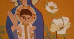 Banner, Metropolitan Cathedral (marc e marc) Tags: flower liverpool geotagged jesus 2008 08 capitalofculture metropolitancathedral liverpoolcapitalofculture2008 figuresof08 geo:lat=5340440246037899 geo:lon=2968904972076416