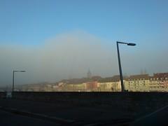 sonne trifft auf nebel