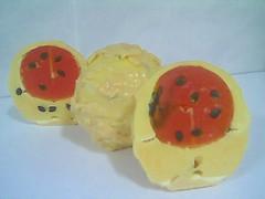 sabonete hidratante de maracuj esfera (guria prendada) Tags: soap artesanal sabonete sabonetes