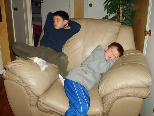 2006-Boys tuckered out