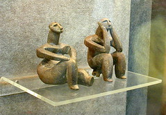 "Romania Neolithic Figurines (Hamangia): The ""Thinker"" & the ""Seated Woman"" - Masterpieces of Neolithic Art (londonconstant) Tags: woman art archaeology museum thinker figurines clay romania seated archeology masterpiece neolithic fired cernavoda dobrogea histria virtualmuseum hamangia faves15faves"