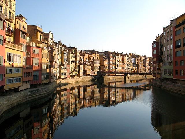 Girona: Houses along Onyar River (II)