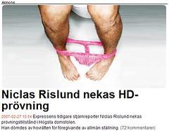 Niclas Rislund med brallorna nere