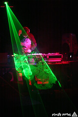 Fluid 034 Edit (Dan Correia) Tags: macintosh dj laptop mixer lasers turntables canonef35mmf2 viceroy seratoscratch macbook